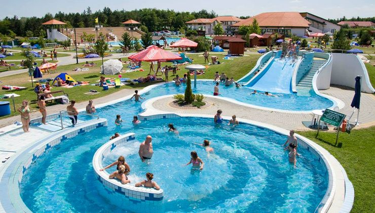 Edzőtábor - Ceglédfürdő Ifjúsági Tábotr - Strand