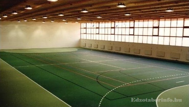 Edzőtábor - Dömsöd Ifjúsági Tábor - Sportcsarnok