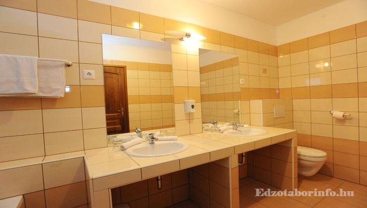 Edzőtábor - Nagybörzsöny Hotel és Tábor - Fürdőszoba