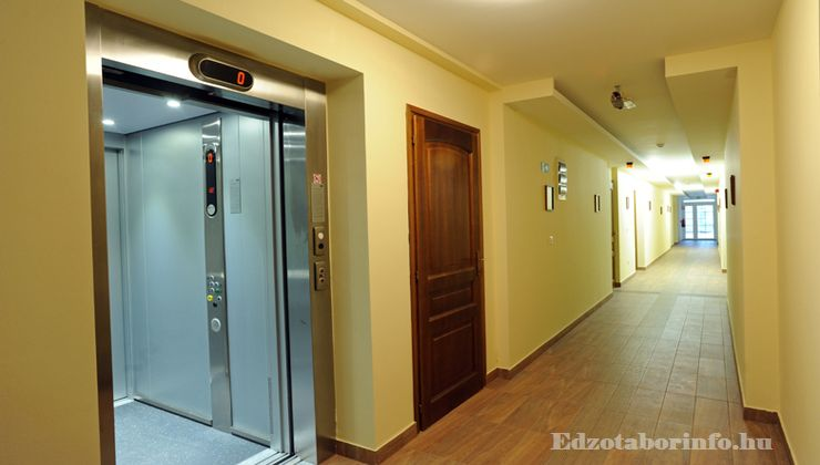 Edzőtábor - Nagybörzsöny Hotel és Tábor - Lift