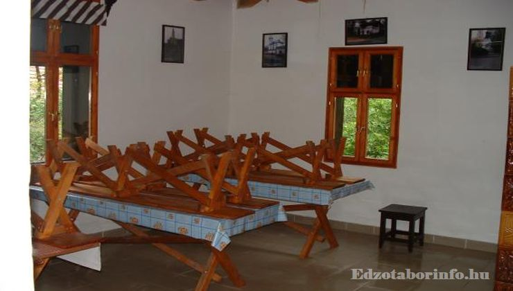 Edzőtábor - Pusztafalu Ifjúsági Tábor - Étkező
