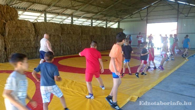 Edzőtábor - Sárospata Ifjúsági Tábor - Csarnok