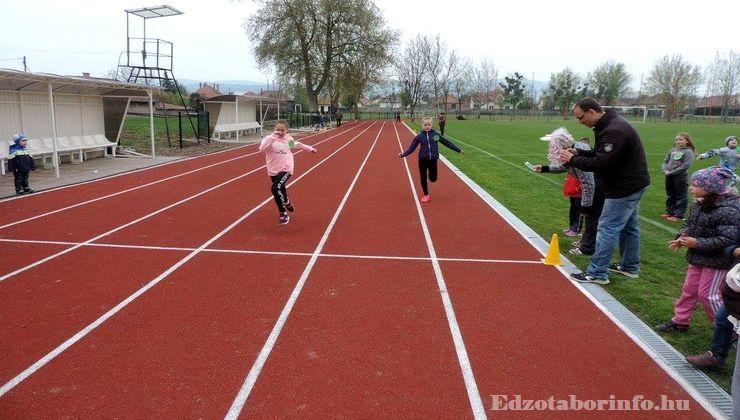 Edzőtábor - Sárospata Ifjúsági Tábor - Rekortán futópálya