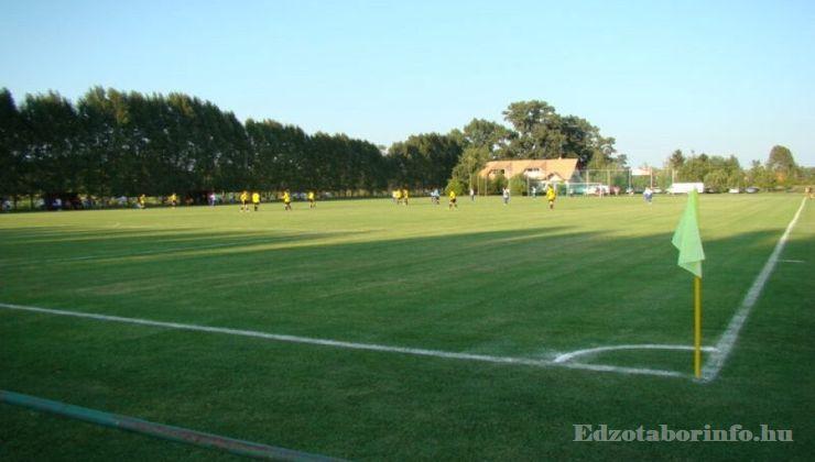 Edzőtábor - Szigetszentmárton Ifjúsági Tábor - Futballpálya