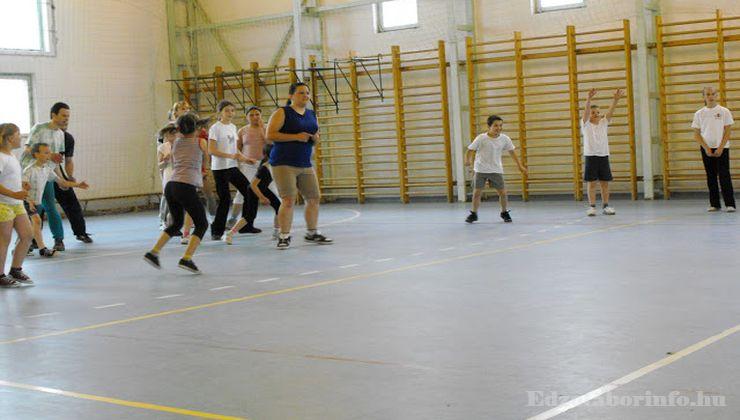 Edzőtábor - Szigetszentmárton Ifjúsági Tábor - Tornacsarnok