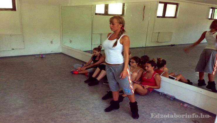 Edzőtábor - Szigetszentmárton Ifjúsági Tábor - Tükrös terem