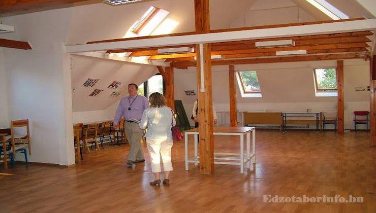 Edzőtábor - Szigetszentmárton Ifjúsági Tábor - konferenciaterem
