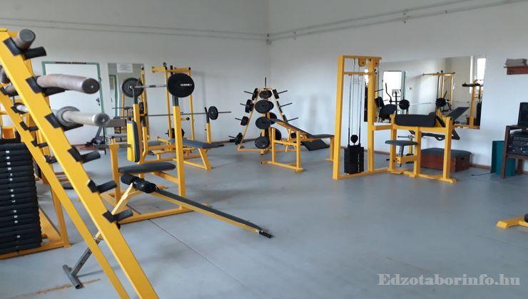 Edzőtábor - Tápiószentmárton IfjúságiTábor - Sportcsarnok - Konditerem 3