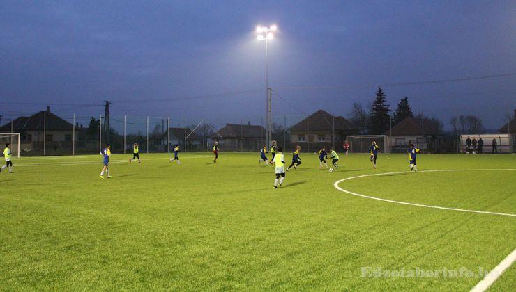 Edzőtábor - Tápiószentmárton IfjúságiTábor - Sportcsarnok - Műfüves pálya 2