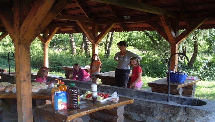 Edzőtábor, táborhely - Bánvölgye Ifjúsági Tábor - fedett kiülő