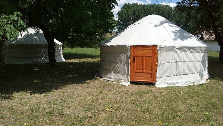 Edzőtábor, táborhely - Békés-Dánfok Üdülő és Tábor - Jurta sátrak