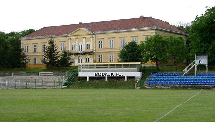 Edzőtábor, táborhely - Bodajk Ifjúsági Tábor - Futballpálya 2
