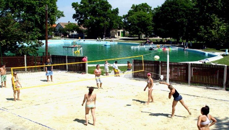 Edzőtábor, táborhely - Bodajk Ifjúsági Tábor - Strand 2