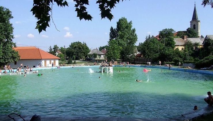 Edzőtábor, táborhely - Bodajk Ifjúsági Tábor - Strand