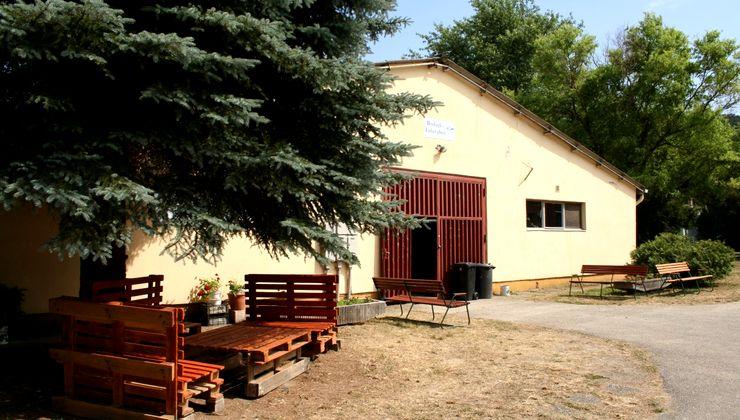 Edzőtábor, táborhely - Bodajk Ifjúsági Tábor épület