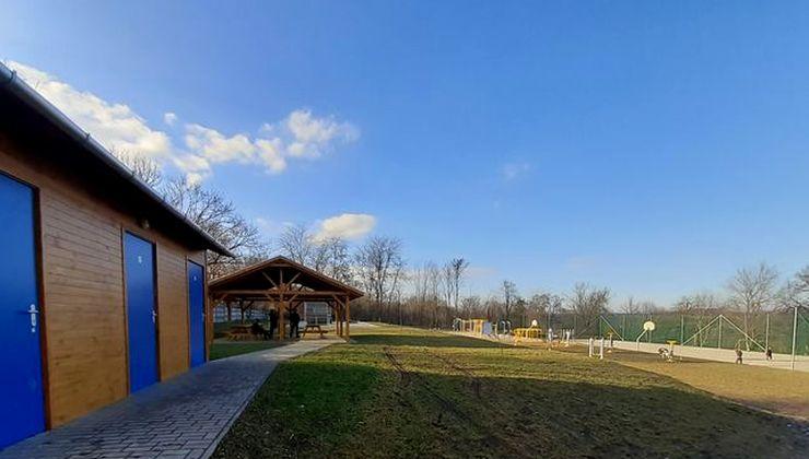 Edzőtábor, táborhely - Tápióság Ifjúsági Tábor - Sportpályák