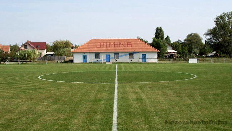 Edzőtábor, táborhely - Tiszasziget Ifjúsági Tábor - Futballpálya