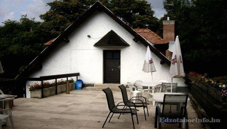 Edzőtábor, táborhely - Visegrád Üdülőtábor 3