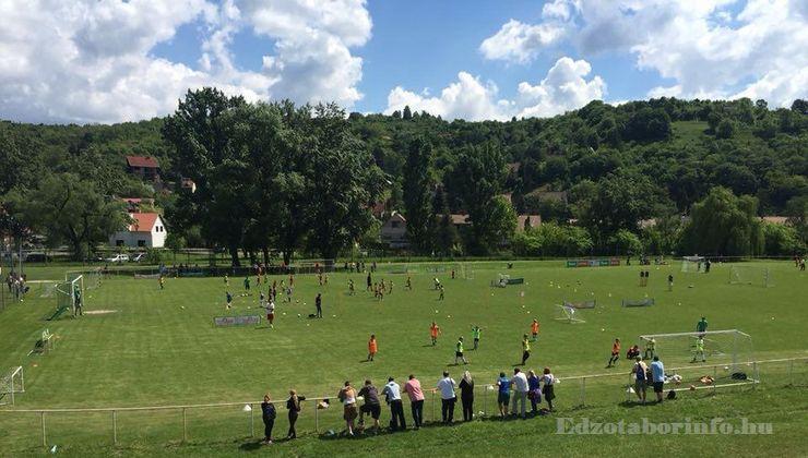 Edzőtábor, táborhely - Visegrád Üdülőtábor - Futballpálya 2
