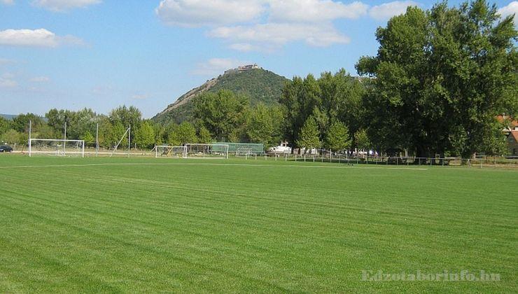 Edzőtábor, táborhely - Visegrád Üdülőtábor - Futballpálya