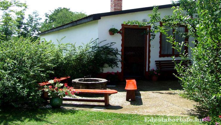 Edzőtábor - Jánd Tábor és Üdülő - udvar 3