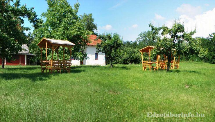 Edzőtábor - Jánd Tábor és Üdülő - udvar