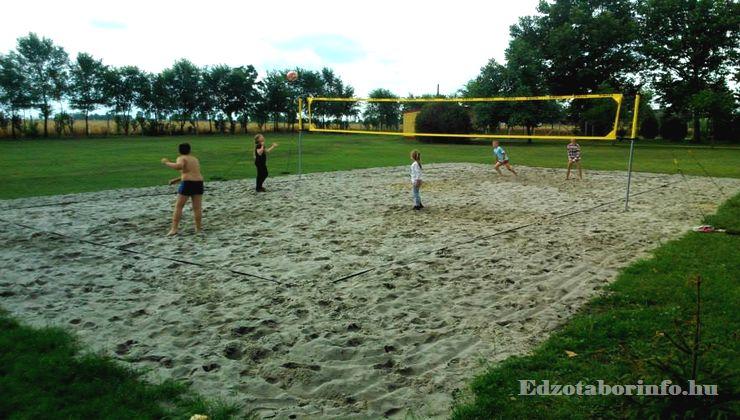 Edzőtábor - Jászboldogháza Ifjúsági Tábor - Strandröplabda pálya
