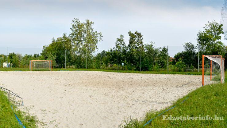 Edzőtábor - Jászboldogháza Ifjúsági Tábor - homokos sportpálya