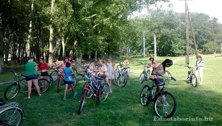 Edzőtábor - Jászboldogháza Ifjúsági Tábor - kerékpár túra