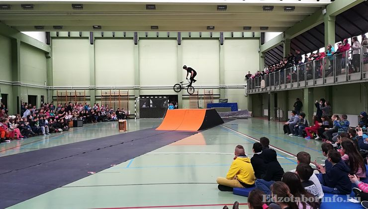 Edzőtábor - Tokaj Ifjúsági Tábor - Sportcsarnok