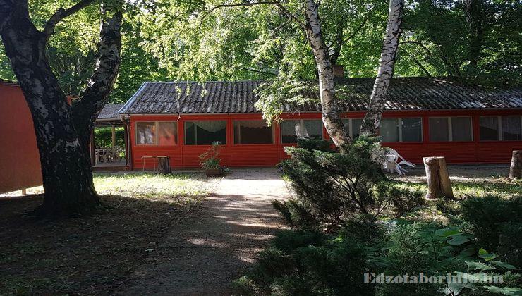 Edzőtábor - Tokaj Ifjúsági Tábor - faházak 3