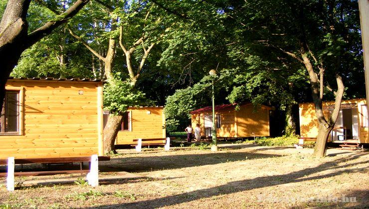 Edzőtábor - Tokaj Ifjúsági Tábor - faházak